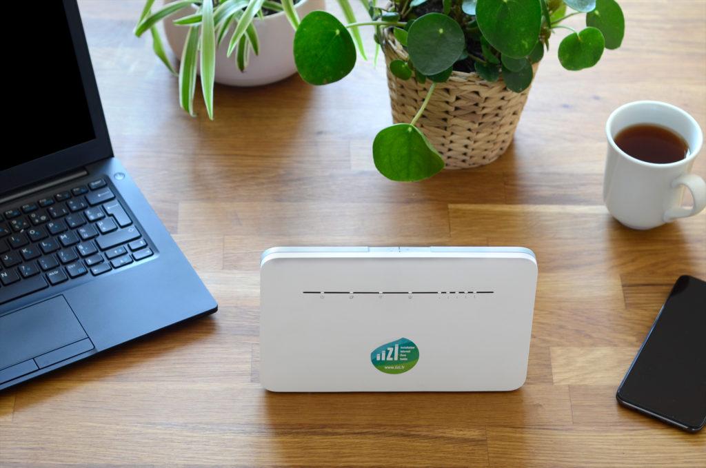 Box 4G sur un bureau