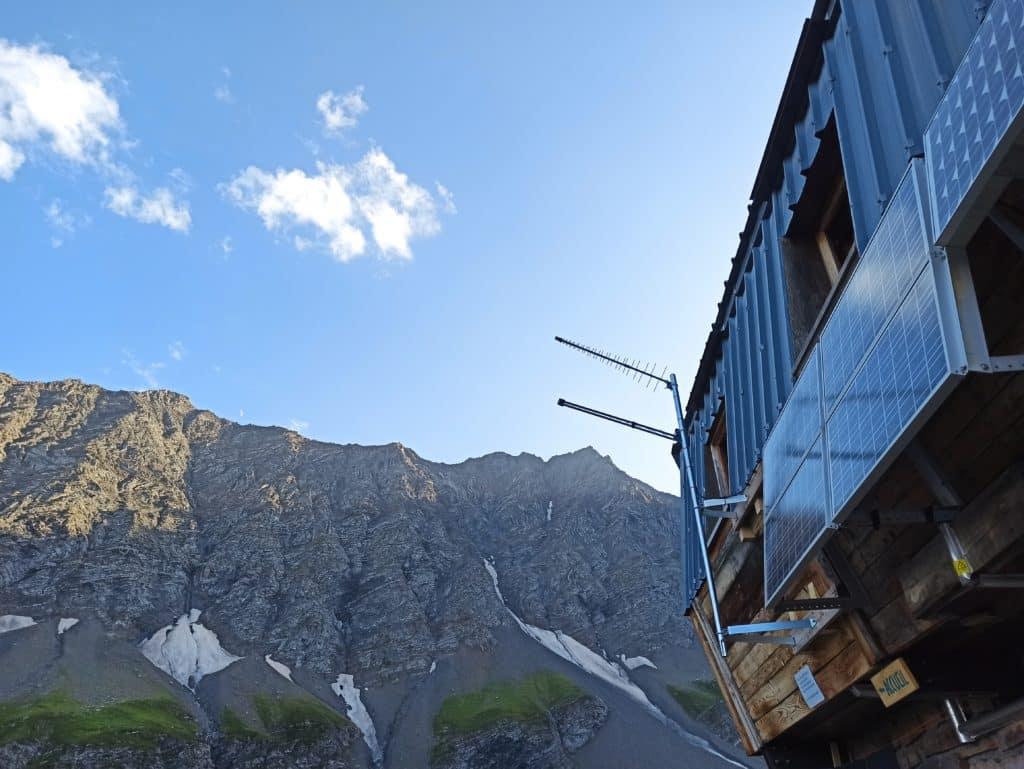 Installation 4G fixe au refuge des Aiguilles d'Arves